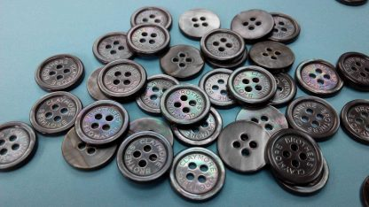 Logo-engraved smoke mother of pearl suit buttons